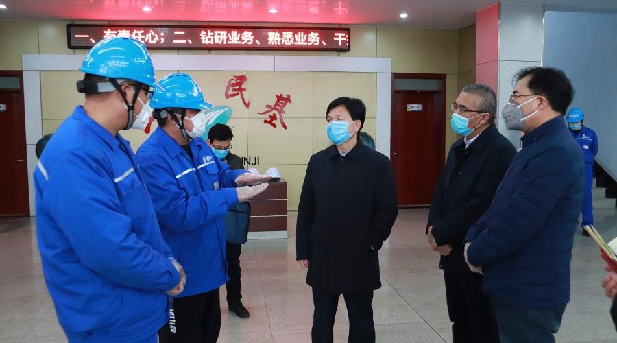 张店区委副书记、区长王学刚来公司检查督导疫情防控工作
